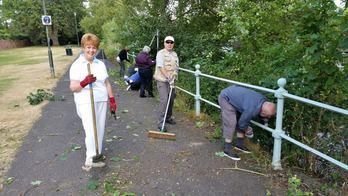 isleworth promenade clean up