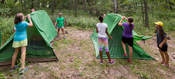 Image - CAMPING_Putting-up-tents